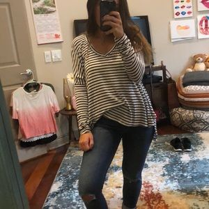 Brandy Melville - Long Sleeve Flowy Striped Top